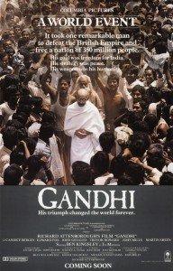 Póster original de Gandhi (1982).
