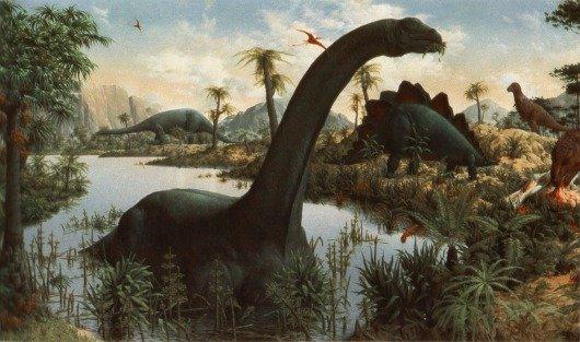 Fragmento del mural pintado en 1947 en el 'Great Hall of Dinosaurs', en la sección de paleontología del PeabodyMuseum of Natural History de laYaleUniversity, que muestra a un brontosaurio en su hábitat natural. El mural al completo representa a dinosaurios del Triásico, Jurásico y Cretácico.Imagen: Xaxam Live Journal.